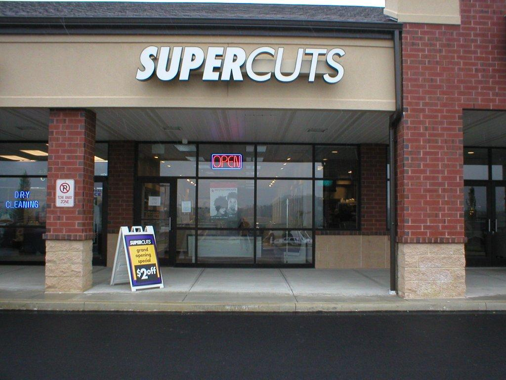 Dec 02,  · Supercuts is a salon industry leader in haircare services, with over 33 million guest visits per year for haircutting, hair color services and more. Supercuts primarily targets male customers who want a current look at an affordable price/5(45).